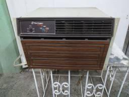 Ar-condicionado Springer 7 mil BTUs quente e frio