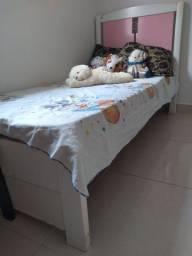 Título do anúncio: Vende-se cama de solteiro com colchão