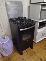 Título do anúncio: Vendo fogão com pouco tempo de uso em estado de novo