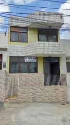 Vendo casa com 02 pavimentos - Próximo a Praça São Roque
