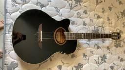 violão com capo traste e bolsa