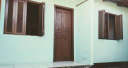 Aluga-se Casa 02 dormitórios