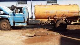 Título do anúncio: caminhão ford f600 tanque ano 76 baixado