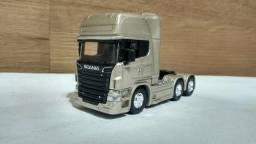 Scania trucado vc escala pequena 1/64