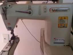 Máquina costura. máquina feixadera de camisa. ombro á ombro