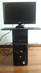 Vendo computador. Teclado e mouse sem fio. R$700
