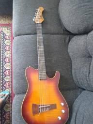 Vendo um ótimo violão nylon Samick