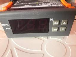 Controlador digital de humidade e temperatura