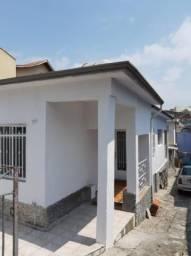 Casa em Vila Oratório, com 2 quartos, sendo 1 suíte e área construída de 140 m²