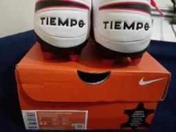 Chuteira Nike Tiempo Lengend