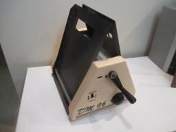 Mimeógrafo DM-96 com contador de páginas antigo