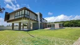 Fina mansão com acabamento de altíssimo padrão no condomínio Laguna. 5 suítes e 600 m²