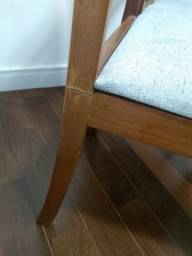 Título do anúncio: 02 cadeiras de madeira que precisam de reparos