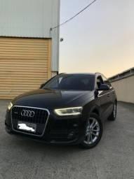 Audi Q3 2015 c/ teto panorâmico