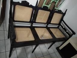 Título do anúncio: Cadeira clássica madeira