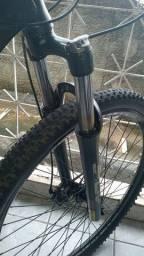 Bike aro 29 hrs super conservada com peças  shimano gts