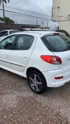 Peugeot 207 1.4 completo  2013