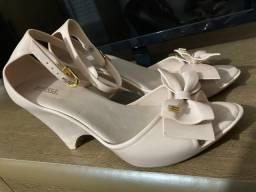 Título do anúncio: 6 calçados femininos tamanho 36