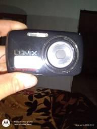 Título do anúncio: Desapegando máquina fotográfica lumix( Panasonic)