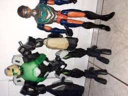 Vendo os 2 dois boneco Max Steel50,00