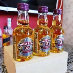 Título do anúncio: Miniatura Whisky Chivas 12 Anos - 50ml - Original, Lacrada e Licenciada