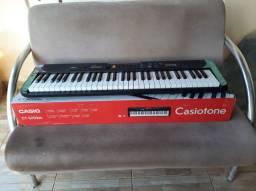 Teclado Casio (Casiotone).