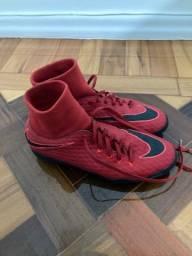 Título do anúncio: Chuteira Nike tamanho 40