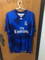 Título do anúncio: Camisa do Real Madrid tamanho GG temp 18/19