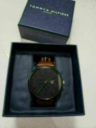 Título do anúncio: Relógio Tommy Hilfiger Slim - Original