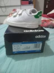 Título do anúncio: Tênis Adidas  infantil