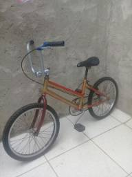 Título do anúncio: Para vender esta bicicleta. Aro 20 .toda inteira