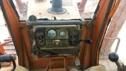 Trator esteira FD 170 operacional