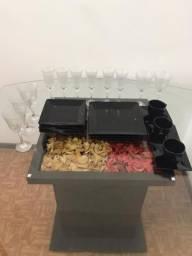 Conjunto de pratos + taças