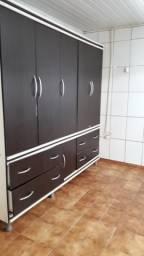 Alugo um apto de 1 quarto.sala cozinha .banheiro