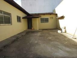Casa  com 4 quartos - Bairro Jardim América em Goiânia