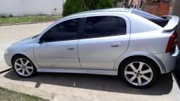 Vendo Astra 2010/2011 - 2011