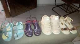 Lote de sandálias infantil