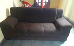 Vendo um sofá dois e treis lugar