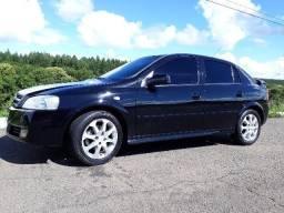 Gm - Chevrolet Astra - 2011