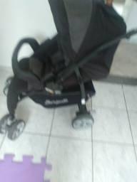 Vende-se carrinho de bebe