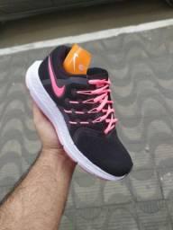 Nike feminino novo na caixa 35 e 36 e 37