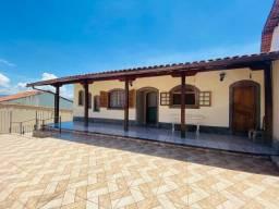 Casa Espaçosa com 3 quartos na Morada da Colina, em Resende