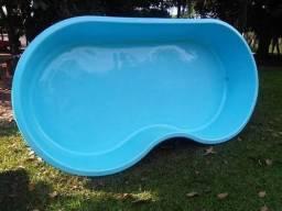 Piscina de Fibra de vidro  infantil 3,35x1,82 - 0,55 profundidade