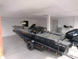 Título do anúncio: Barco De Pesca 5,5 M, Motor Suzuki 40 Hp, Sonar Garmin.