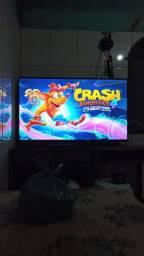 Smart tv 4k tcl 50 polegadas e PS4 slim