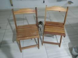 2 cadeiras de madeira 70,00