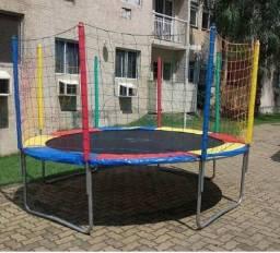 Aluguel de pula pula tamanho M, dois metros e meio de diâmetro.