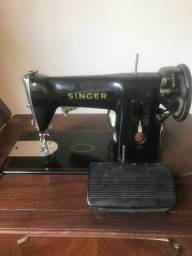 Máquina de Costura Vintage Singer
