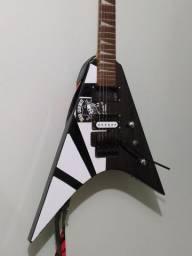 Guitarra flying v com Malagoli hh777