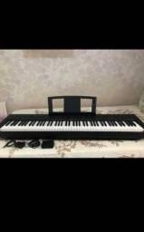 Título do anúncio: Piano eletrônico P/35 Yamanha